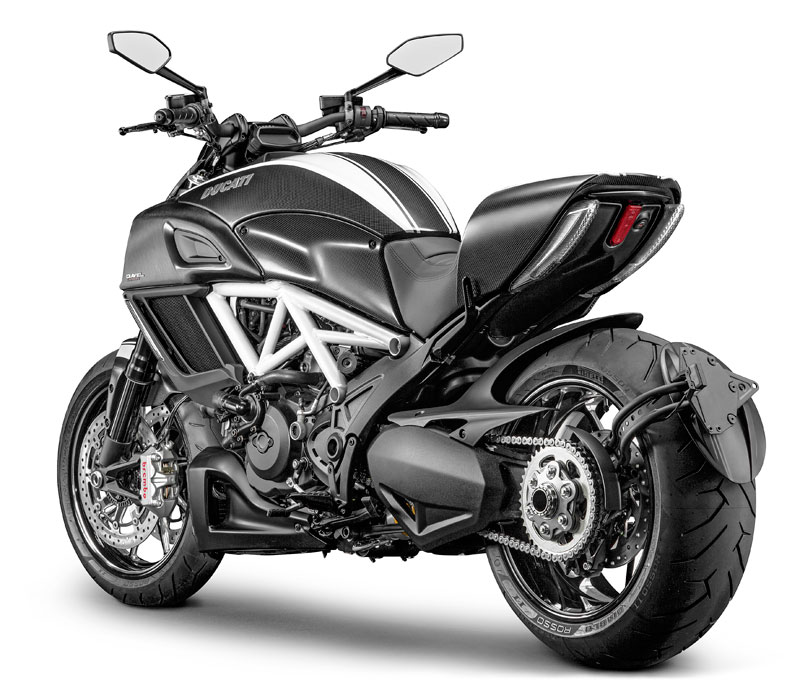 ducati diavel carbon abs 2015 in weiss bei road monkeys. Black Bedroom Furniture Sets. Home Design Ideas