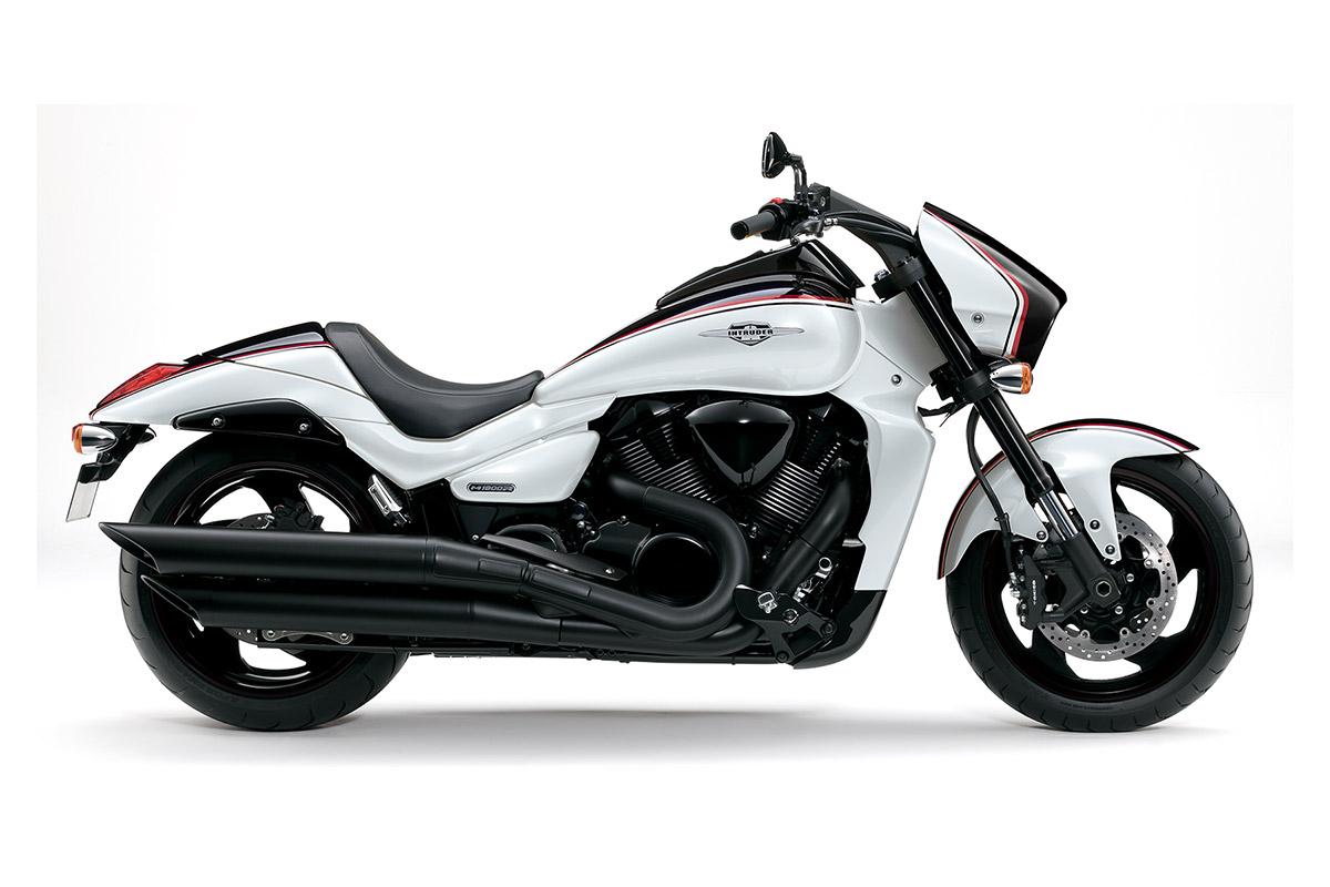 Suzuki black-edition: intruder m1800r und c800::: auto-motor. At:::