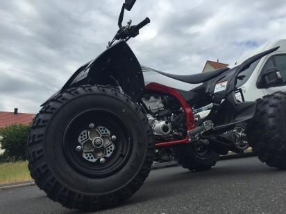 Yamaha_YFZ_450R_Special_Edition_2015_black-fury-5
