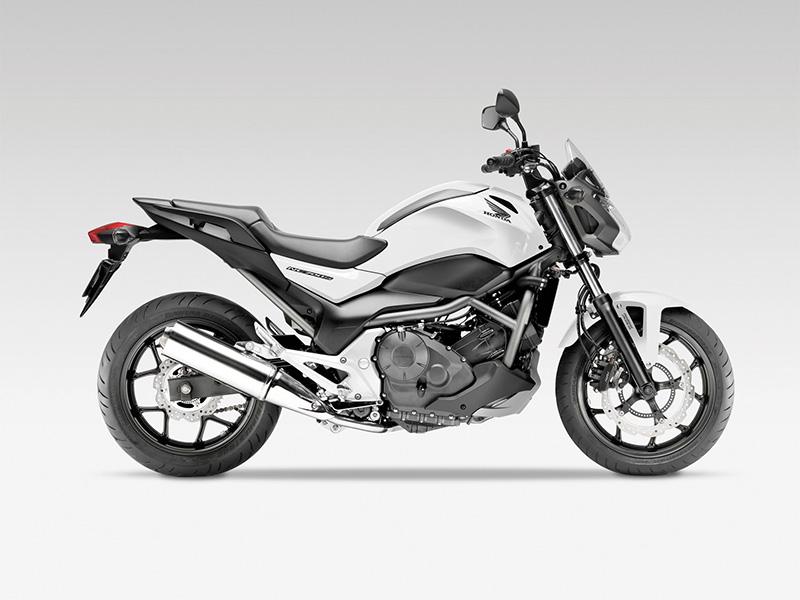 Honda NC 750 S ABS 2014 in Schwarz bei Road Monkeys kaufen